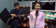 Кыргызстанка Нурчолпон спела хит Dance Monkey под комуз. Архивное фото