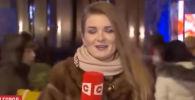 Пользователей социальных сетей озадачил прямой эфир с корреспондентом белорусского телеканала СТВ Еленой Козловой.