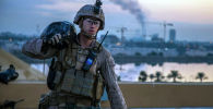 Американский морской пехотинец на территории посольства США в Багдаде. Архивное фото