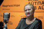 Педагог Бишкекского хореографического училища Марипа Садыкбаева во время беседы на радио