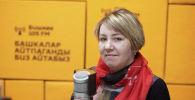 Психолог, гештальт-терапевт Эльвира Шумакова во время беседы на радио