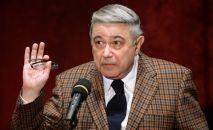 Популярный российский юморист Евгений Петросян. Архивное фото