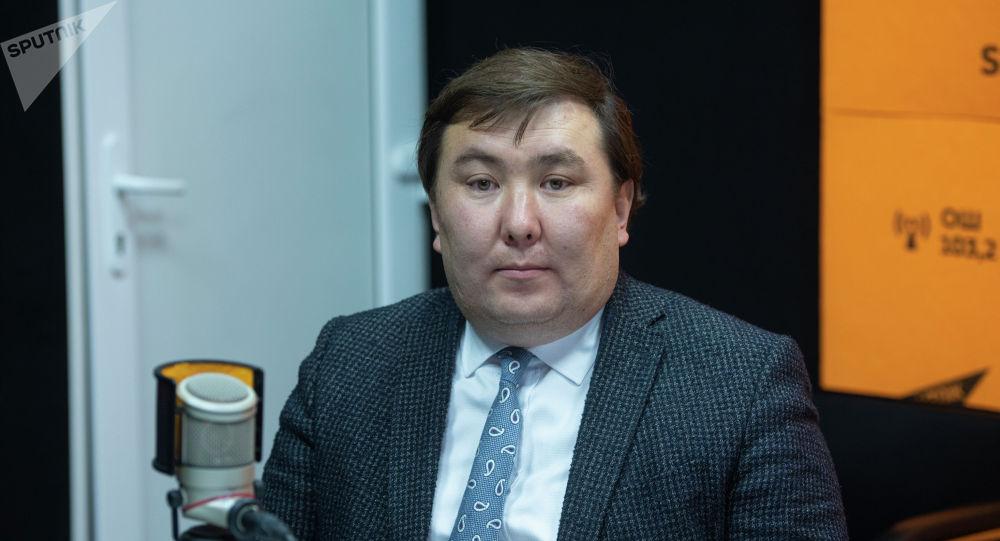 Тышкы иштер министрлигине караштуу Консулдук иштер департаментинин директорунун орун басары Бактияр Шакиров
