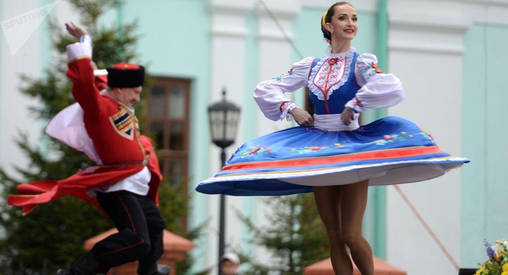 Участники фестиваля русского фольклора. Архивное фото