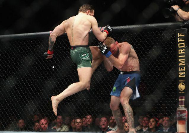 Бывший чемпион двух дивизионов, ирландский боец Конор Макгрегор одержал первую победу над Дональдом Серроне в турнире UFC 246 в Лас-Вегасе