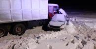 На трассе Челябинск — Троицк (Россия) погибли пять человек при столкновении КамАЗа и Honda Odissey