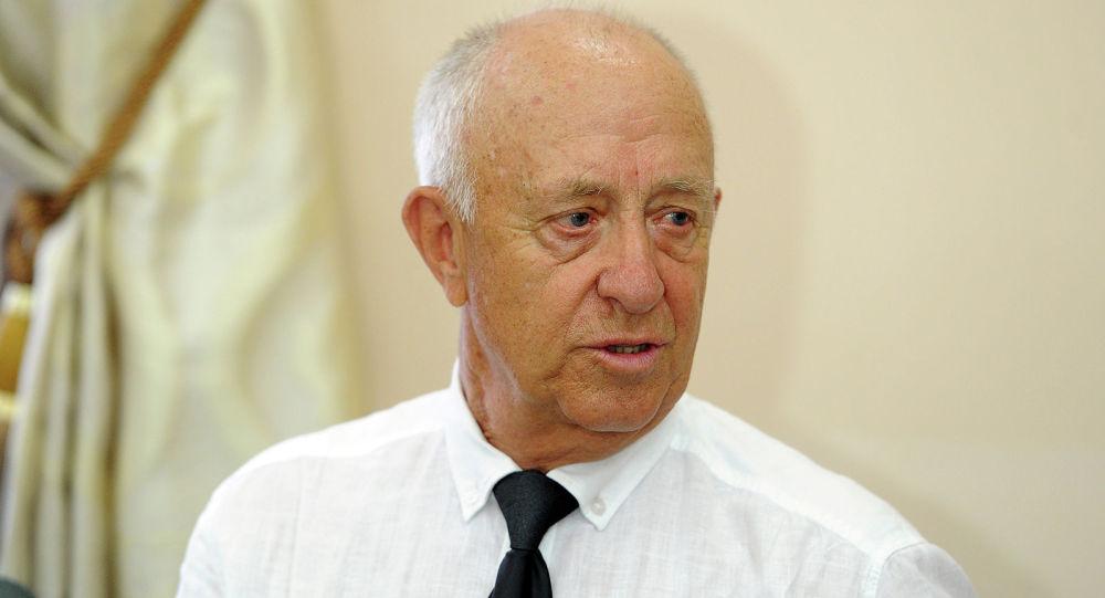 Заслуженный тренер Киргизской ССР по легкой атлетике Виктор Борисов. Архивное фото