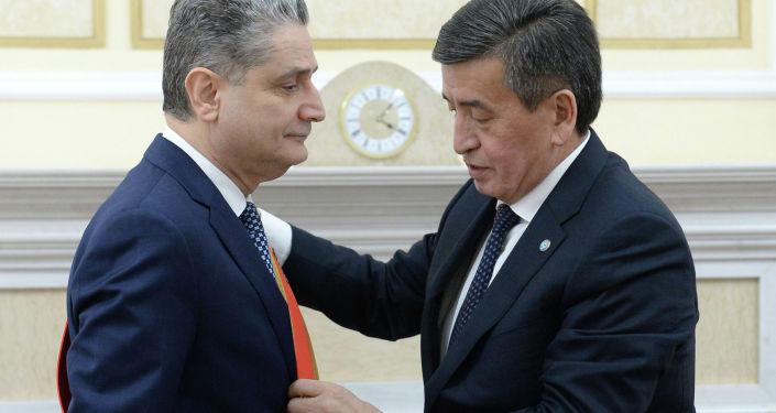 Президент Кыргызской Республики Сооронбай Жээнбеков принял председателя Коллегии Евразийской экономической комиссии Тиграна Саркисяна.