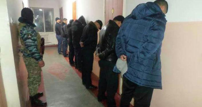Задержанные в ходе рейда Бандит в городе Ош