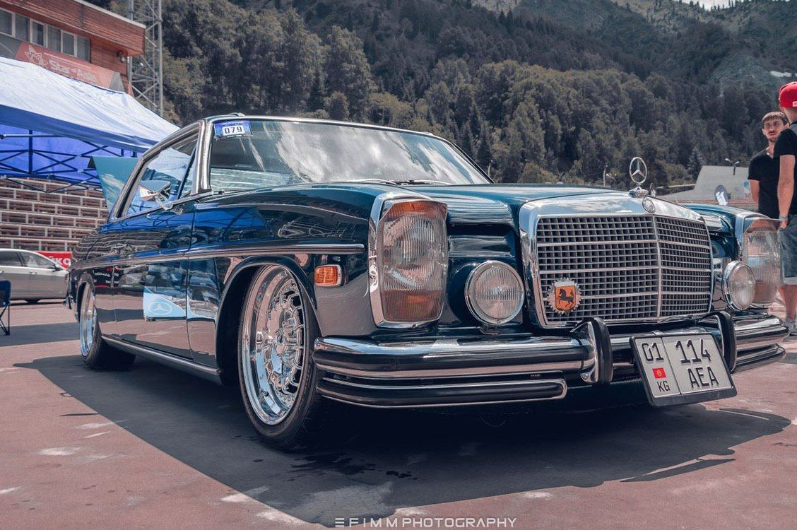 Mercedes-Benz w 114coupe 280C 1974