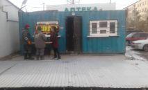Сотрудники мэрии и муниципального предприятия Тазалык снесли несколько незаконно установленных объектов
