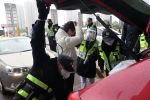 Хубэй аймагындагы полиция кызматкерлеринин текшерүүсү. Архивдик сүрөт