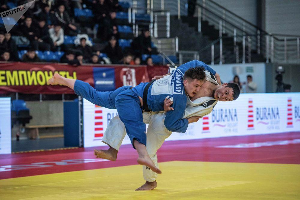 30-31-январь күндөрү Бишкекте өткөн дзюдо боюнча Кыргызстандын чемпионатына катышкан спортчулар