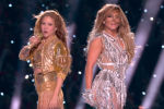 Известные певицы Шакира и Дженнифер Лопез устроили шоу на стадионе Hard Rock Stadium в Майами во время большого перерыва в финале Суперкубка Национальной футбольной лиги (американский футбол) Super Bowl 2020.
