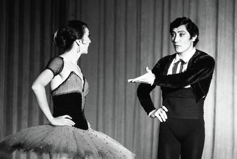 Айсулуу Токомбаева менен Чолпонбек Базарбаев, 1986-жыл