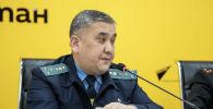 Ранее Sputnik обнародовал расследование, проведенное с Финансовой полицией. Был выявлен недолив бензина на автозаправках (АЗС) в Бишкеке и Чуйской области, вопросы возникли и к качеству ГСМ.
