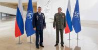 Верховный главнокомандующий Объединенными вооруженными силами НАТО в Европе генерал Тод Уолтерс и начальник Генштаба ВС России генерал армии Валерий Герасимов