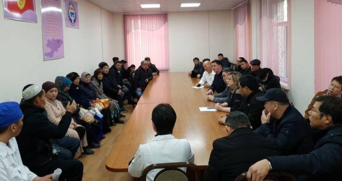 9 февраля 2020 года в Кыргызстан прибыла делегация из Казахстана во главе с вице-министром здравоохранения Республики Казахстан Камалжаном Надыровым