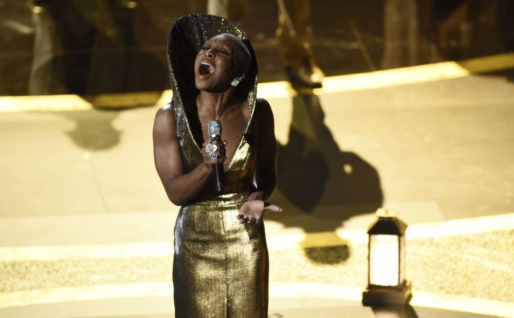 Певица Синтия Эриво во время выступления на церемонии вручения премии Оскар 2020 в Лос-Анджелесе. 9 февраля 2020 года