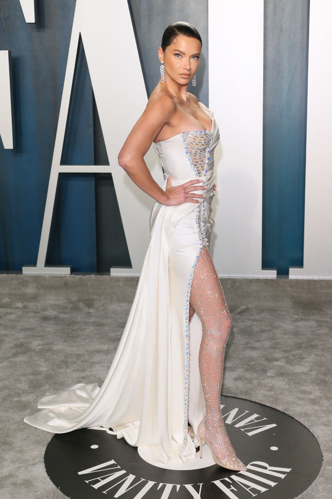 Супермодель Адриана Лима на 2020 Vanity Fair Oscar Party. 9 февраля 2020 года