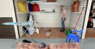 Предприниматель обустраивает павильон. Архивное фото