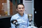Генеральный директор крупной компании Дастан Омуралиев во время беседы на радио Sputnik Кыргызстан