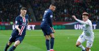 Футбол боюнча Франция чемпионатынын алкагында беттешкен Пари Сен-Жермен жана Лион клубдарынын оюну учурунда