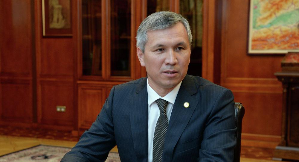 Вице-премьер, Шайлоону уюштуруу жана өткөрүү боюнча республикалык штабдын жетекчиси Акрам Мадумаров. Архивдик сүрөт