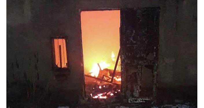Пожар в мебельном цехе на севере Бишкека. Цех находится на улице Алма-Атинской ниже БЧК.