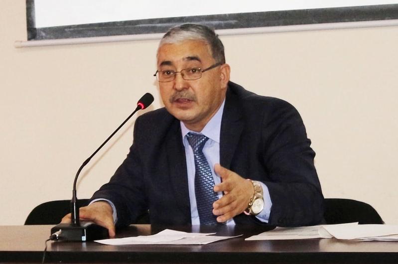 Проректор по административно-хозяйственной работе, доктор экономических наук Туратбек Суранаев