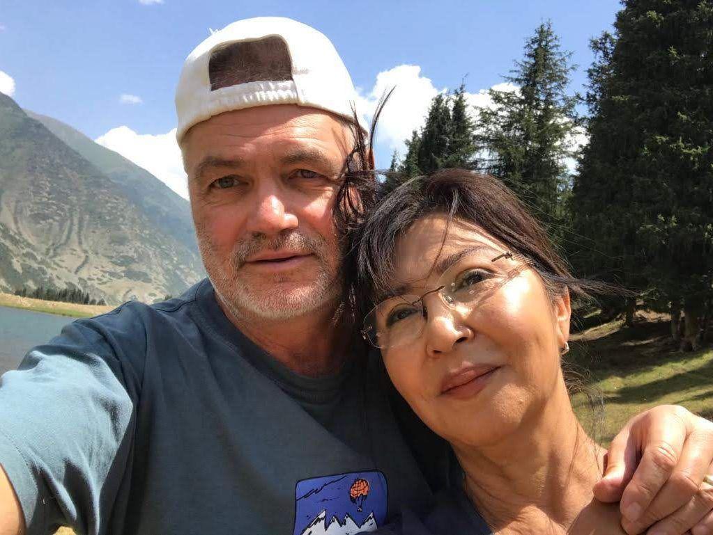 Актриса, народная артистка Кыргызстана и Казахстана Айтурган Темирова с мужем