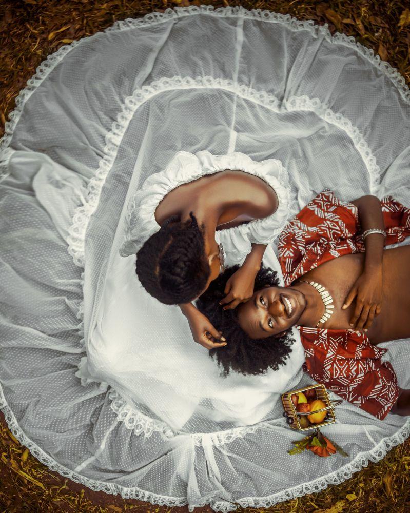 Снимок Счастье с тобой фотографа из Ганы. Автор сделал фото, стоя на стуле.