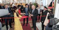 Открытие центра стало возможным благодаря многолетнему сотрудничеству Посольства России и Представительства Россотрудничества с Национальной библиотекой Кыргызстана.