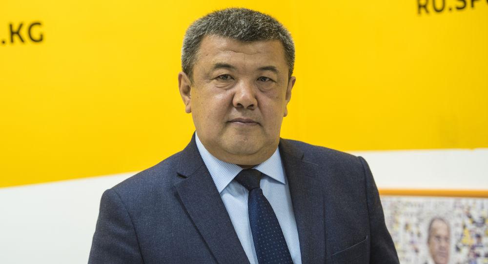 Борбордук шайлоо комиссиясынын төрайымынын орун басары Абдыжапар Бекматов. Архив