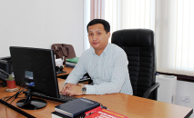 Мамлекеттик каттоо кызматынын төрагасы Акын Мамбеталиев