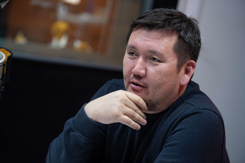 Психолог и инструктор по личной безопасности Ильдар Акбутин во время интервью на радио Sputnik Кыргызстан