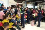 Управление патрульной службы милиции ГУВД Бишкека провело в одном из торговых центров столицы акцию Добрая дорога детям