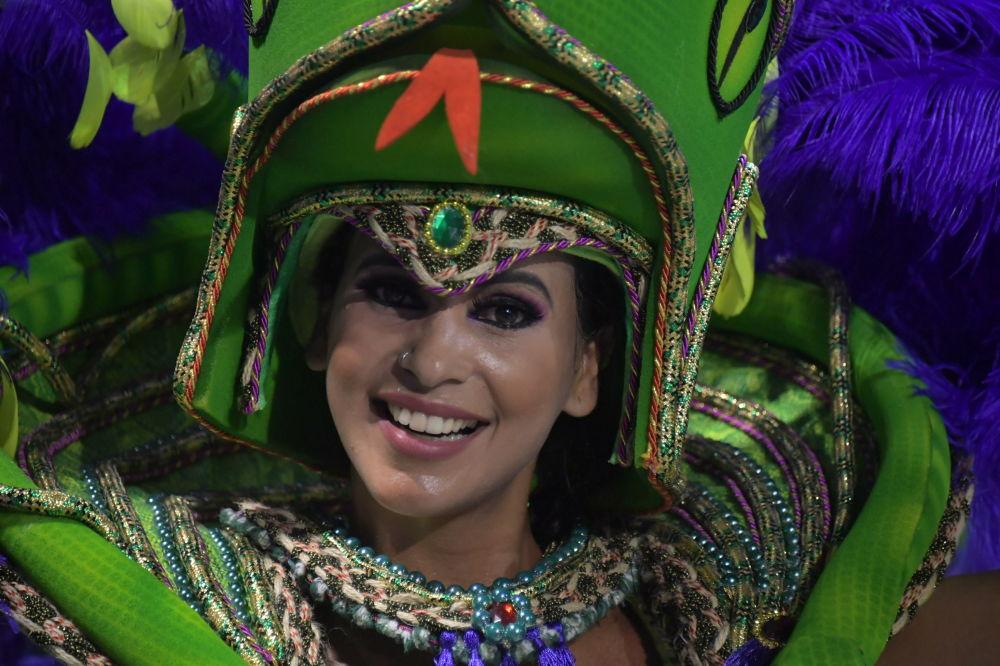 В танцевальных шествиях участвовали миллионы людей
