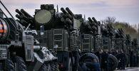 Самоходные зенитные ракетно-пушечные комплексы наземного базирования Панцирь-С. Архивное фото
