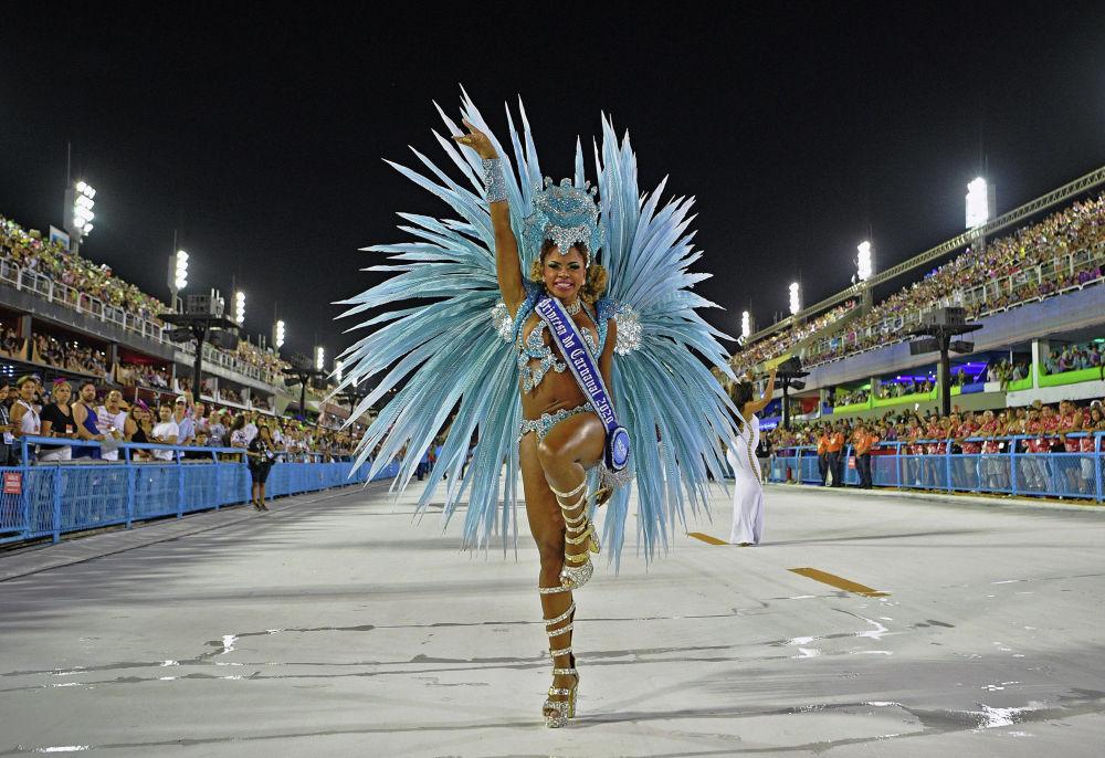 В Рио-де-Жанейро и Сан-Паулу прошел традиционный бразильский карнавал. Посмотреть на него приехали более миллиона туристов.