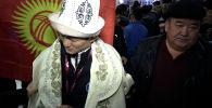 Индиядагы Азия чемпионатынан алтын байге уткан Улукбек Жолдошбеков Бишкекке көзү жакшы көрбөй келип түштү. Ал күрөшүп жатканда атаандашы көзүн жабыркатып койгонун айтты.