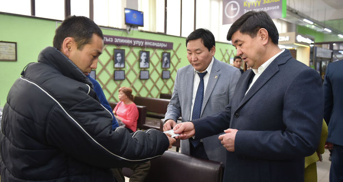 Премьер-министр Мухаммедкалый Абылгазиев Унаа мамлекеттик ишканасына капыстан барып текшерди