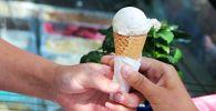 Мороженое в рожке. Архивное фото