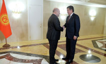 Президент Кыргызстана Сооронбай Жээнбеков во время встречи с новым председателем правительства России Михаилом Мишустиным