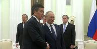 Встреча Владимира Путина и Сооронбая Жээнбекова в Москве