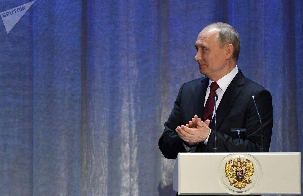 Владимир Путин эл алдына чыгып сөз сүйлөдү