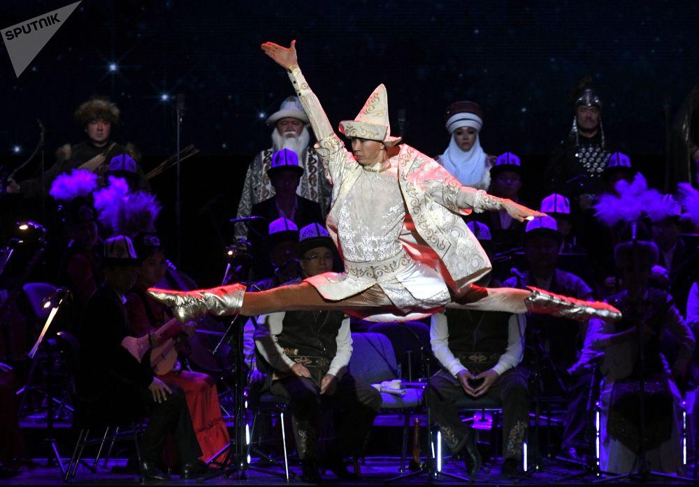 27 февраля 2020. Участники праздничного концерта в честь открытия Года России в Киргизии и Года Киргизии в России.