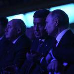 Сооронбай Жээнбеков менен Владимир Путин масштабдуу шоуга баа беришти