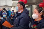 Вспышка нового коронавируса в китайском городе Ухане сорвала свадебные планы двух врачей — Юй Цзинхай и Чжоу Линьи.