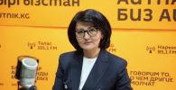 Улуттук банктын расмий өкүлү Аида Карабаева. Архивдик сүрөт